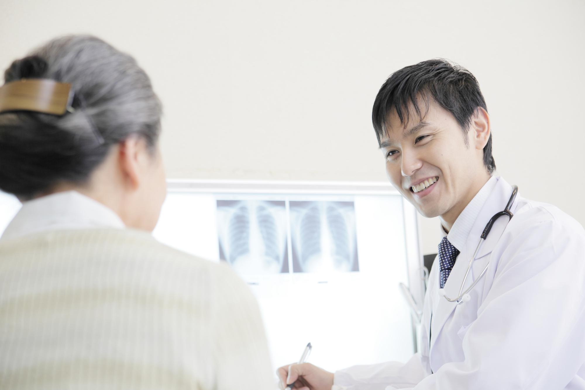 高齢者の医者離れが深刻化…医療費負担改定が、患者数の減少をもたらす!